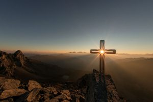 Morning-prayer-on-mountain
